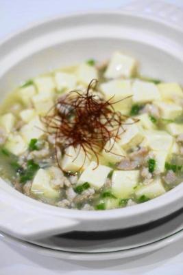 鶏肉と青唐辛子で白麻婆豆腐