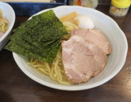 yoshida-sd21.jpg