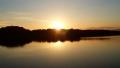 多摩湖に沈む夕日