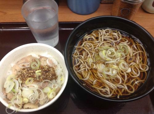 20150426_湾岸そば新木場駅-003