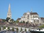 Auxerre と歩道橋