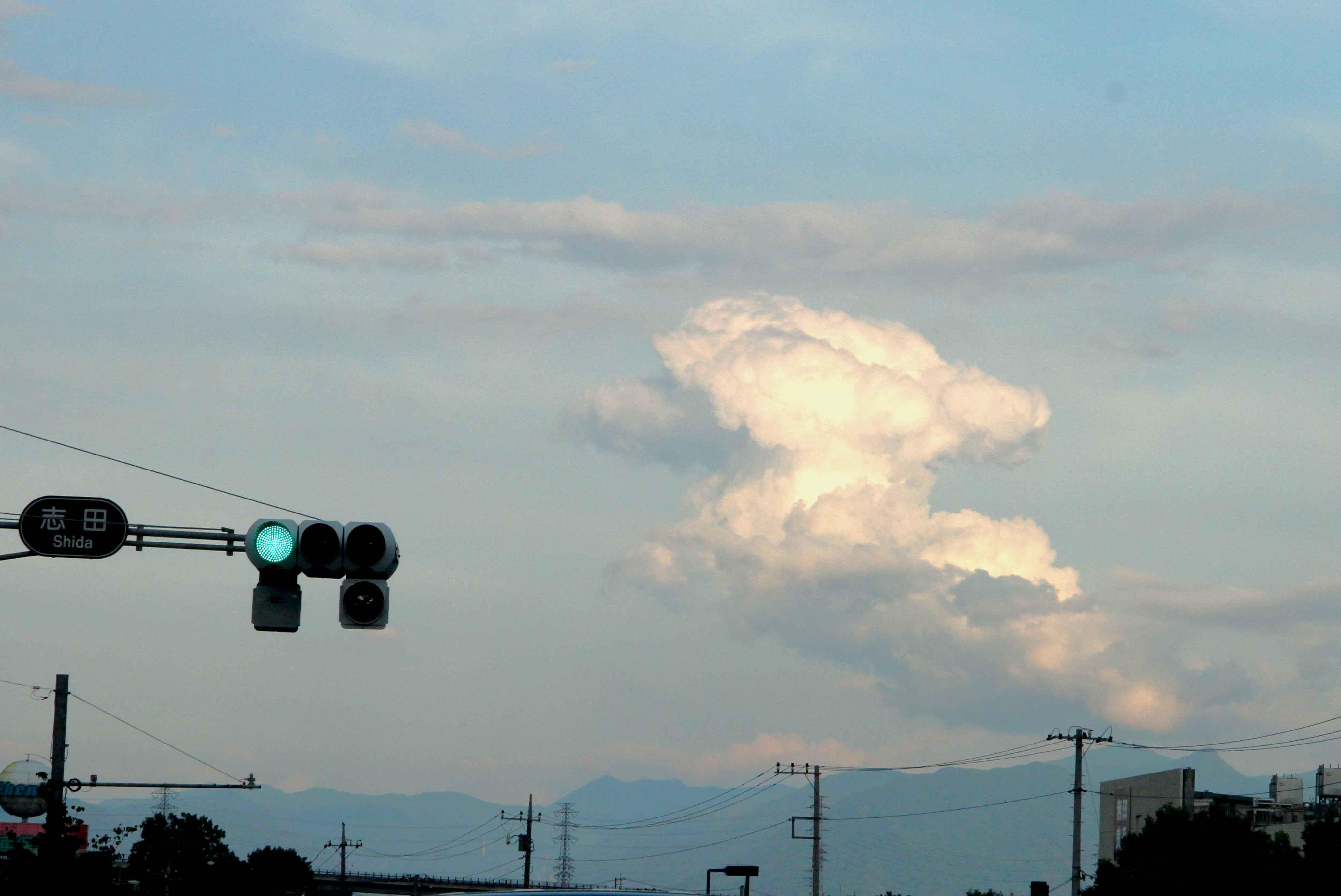 変形積雲(2)