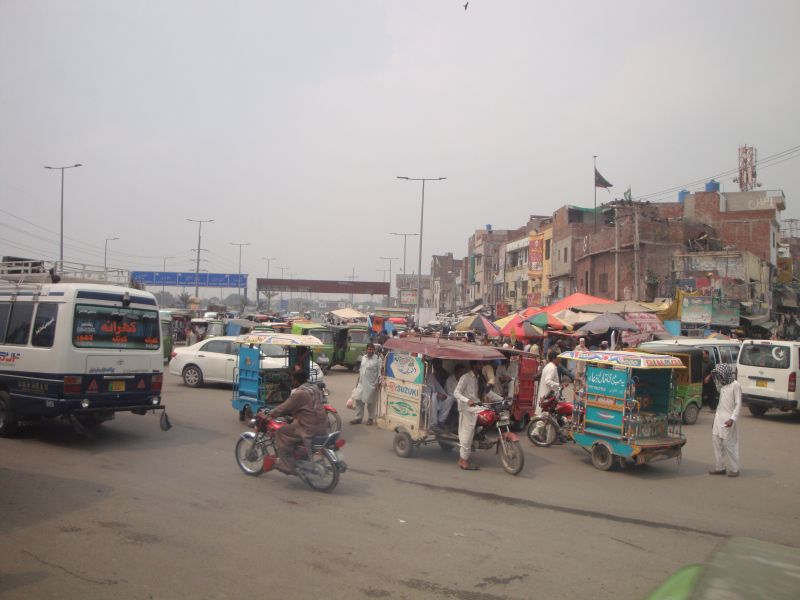 パキスタン移動