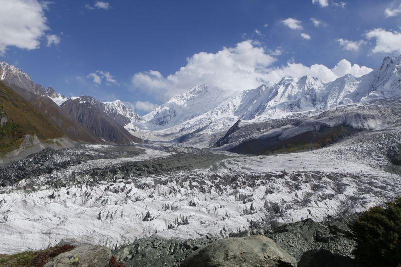 ラカポシ氷河