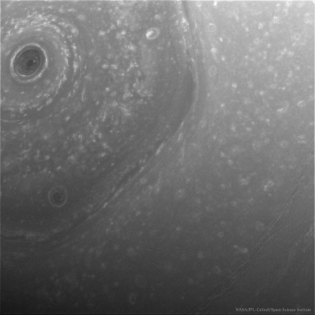NorthSaturn_Cassini_1024.jpg