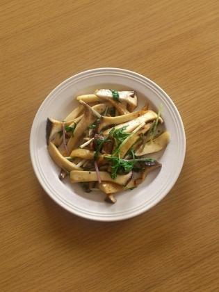 エリンギと水菜のガーリックソテー