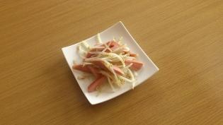 モヤシと魚肉ソーセージの炒めもの