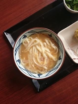 丸亀製麺釜玉(温)(並)舞茸天