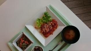 A定食(チキンソテー野菜ソース)小鉢(にんにくの芽とこんにゃくの味噌炒め)5