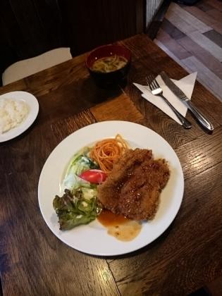 レストラン・喫茶プラムチキンカツ(定食)2