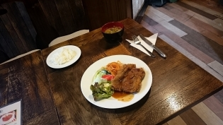 レストラン・喫茶プラムチキンカツ(定食)4