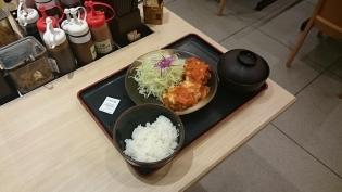 松乃家チーズトマトささみかつ定食4