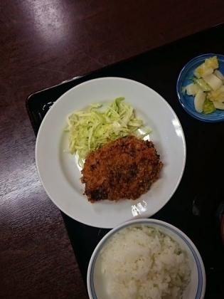 山田ホームレストランビーフコロッケ3