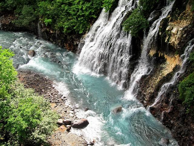 s-しらひげの滝とブルーリバー