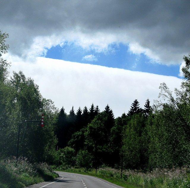 s-真っすぐな雲