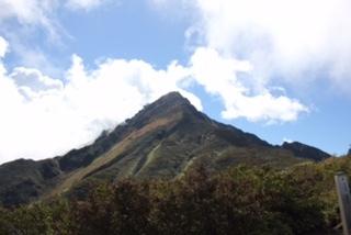 八合目から見える利尻岳山頂