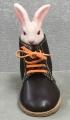 ウサギとワークブーツ