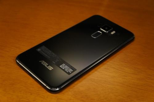 ZenFone3_ZE520KL_025.jpg