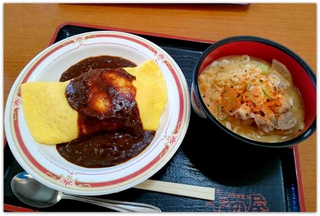 青森県 青森市 ランチ グルメ 半田屋 大衆食堂 豚汁 うどん オムライス 写真