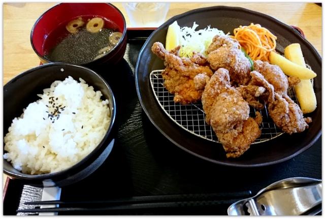 青森県 弘前市 ランチ グルメ 写真 から揚げ ふじや からあげ 弘前店 定食 ピリ辛