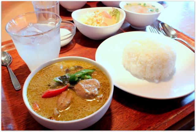 岩手県 盛岡市 ランチ タイ料理 バイマックルー グルメ 写真 ゲンキヤオワーン・ガイ 鶏肉のグリーンカレー