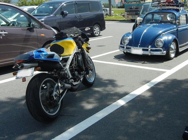 RG400 駐車場