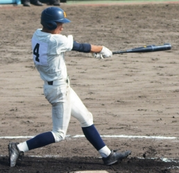 161112-14鹿実・西畑先制2ラン_035