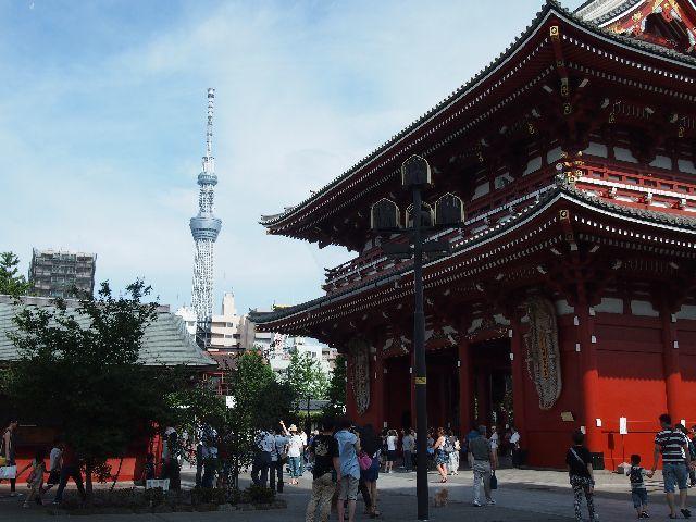 浅草寺から 見る 東京スカイツリー