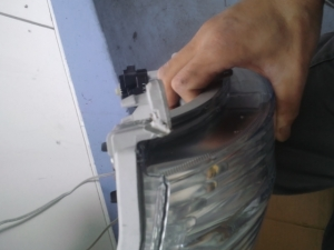 ハイゼット(S321V)ヘッドライト 修理後2
