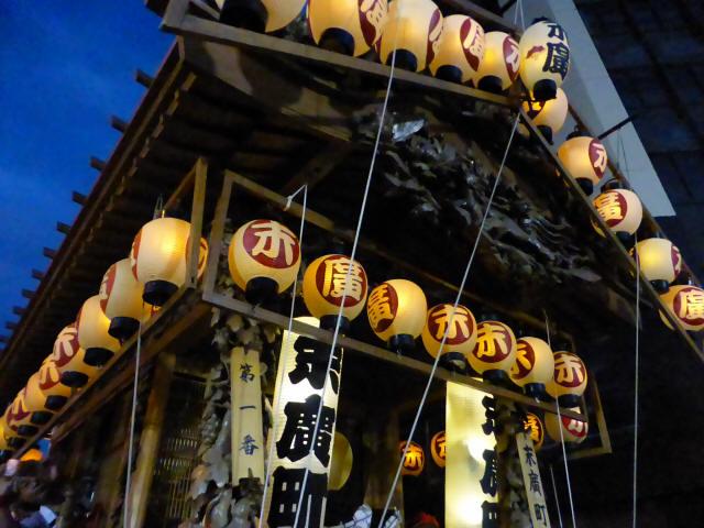 末広町彫刻屋台5