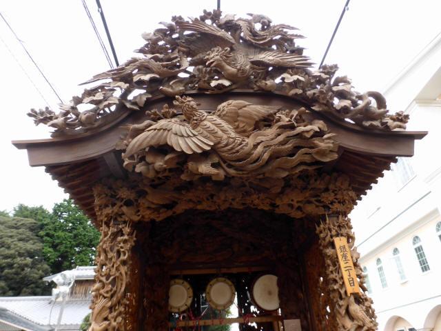 銀座2丁目彫刻屋台3