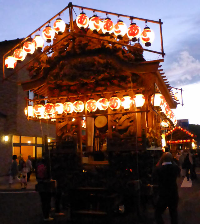 麻苧町彫刻屋台1