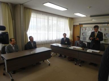 板谷会長と中村・上田副会長も出席