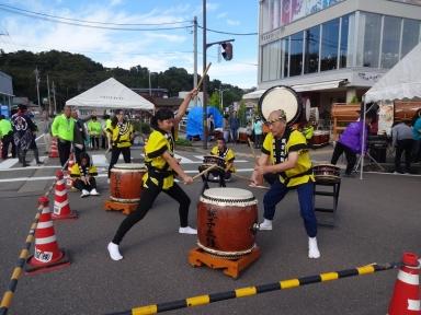 城東太鼓の力強い演奏