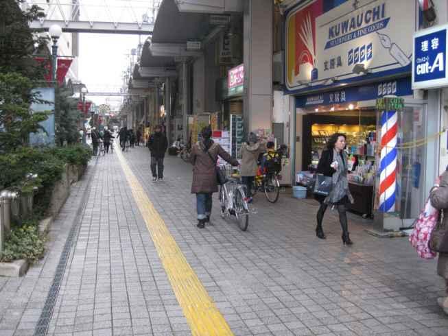 15_駅前歩道及びアクトアモールは歩行者専用
