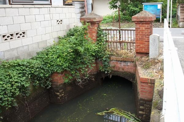 160716_115354榎戸堰組合用水樋管_1200
