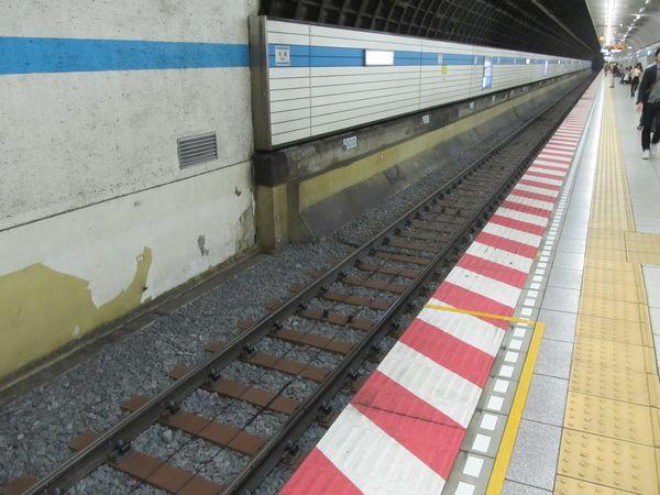 バラスト軌道化された木場駅構内の線路