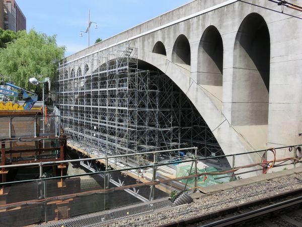 春から始まった聖橋長寿命化工事