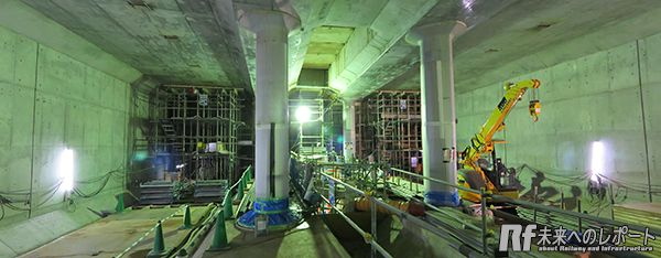 回転立坑から駅方向に進んだところ。この先は京王井の頭線の橋梁下で現在も掘削中。
