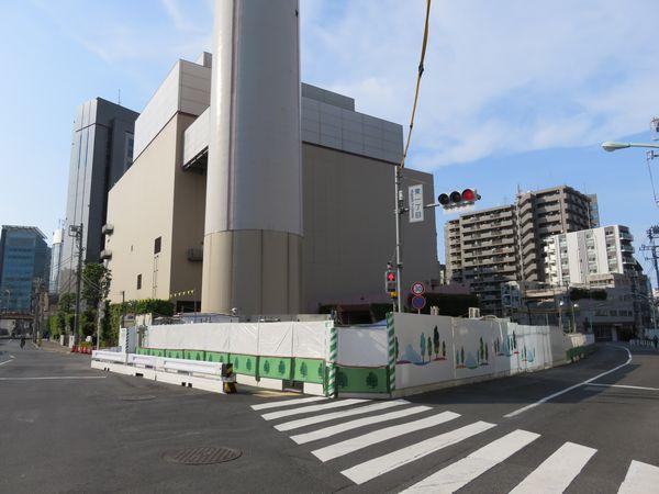 JR線交差部分渋谷方の線路跡地。残されていた高架橋もすべて解体され更地になった。