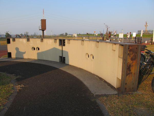 龍Q館外にはシールドトンネルを掘削した機械の一部やセグメントの実物が展示されている。