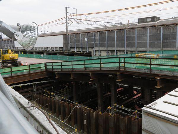 同じ場所の今年6月19日の様子(前回の「相鉄・JR直通線」の記事でも掲載)。トンネル掘削が行われている。