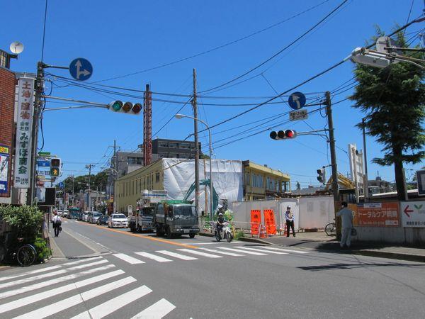 休業2か月後の東京園。宴会場のみを解体し、残った部分で仮営業が考えられていた頃。