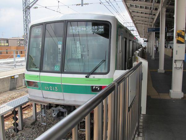 千代田線北綾瀬支線に転用された05系。