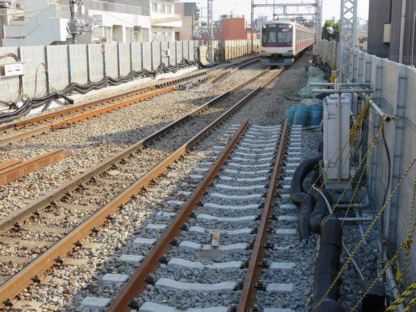 横浜方の新旧接続点。