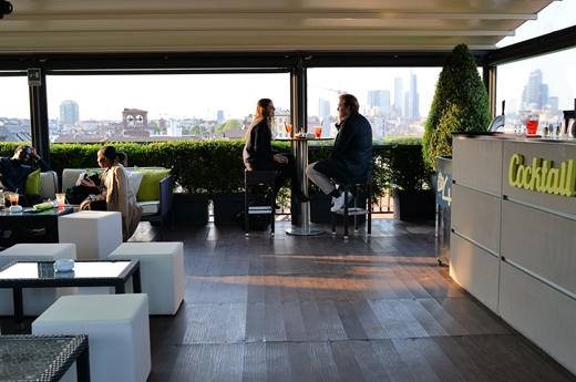 STK 1546 R - ミラノの街が一望できるアぺリティーボ「Sky Terrace」