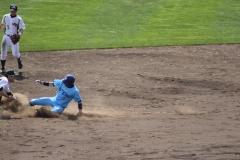 上野選手盗塁