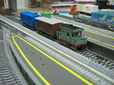 ヨ8000緑色 2
