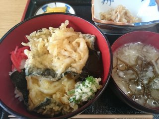 s海鮮堂の白魚天丼2