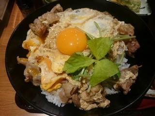 sひなた家の藁焼き軍鶏の親子丼3